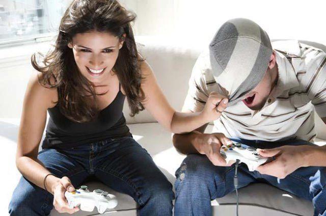 Bermain games hal yang kamu suka karena pengaruh kakak cowokmu