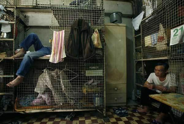 Populasi Hong Kong yang di kisaran 700 ribu langsung melonjak ke angka 2 juta