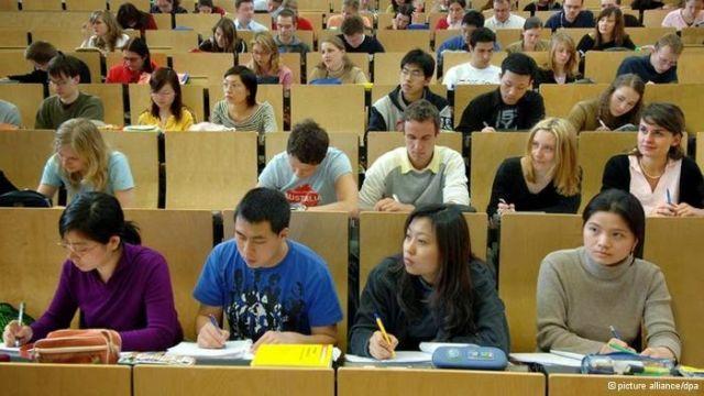 Suasana kelas di kampus luar negeri