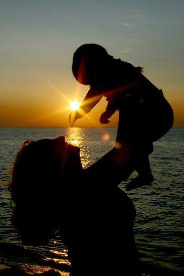 Cintamu seluas lautan biru.
