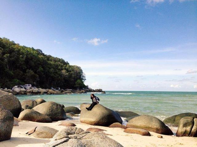 Pantai Tanjung Pabrik, Teluk Limau, Parittiga, Bangka.