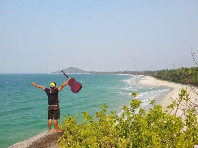 Pantai Siangau, Desa Teluk Limau, Kecamatan Parittiga, Bangka Barat