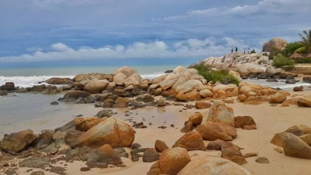 Pantai Parai Tenggiri, Sinar Baru, Sungai Liat, Bangka.