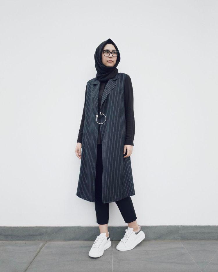 Contoh Dress Code Casual Wanita