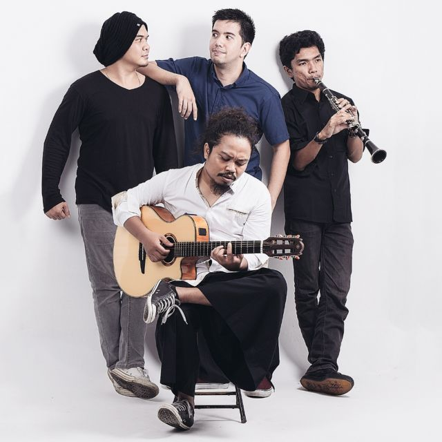 Personil Payung Teduh