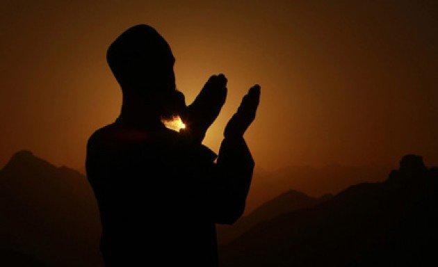 Berdo'a kepada Tuhan