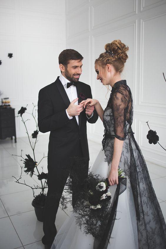 11 Ide Gaun Warna Hitam Untuk Pernikahan Siapa Bilang Resepsi Harus