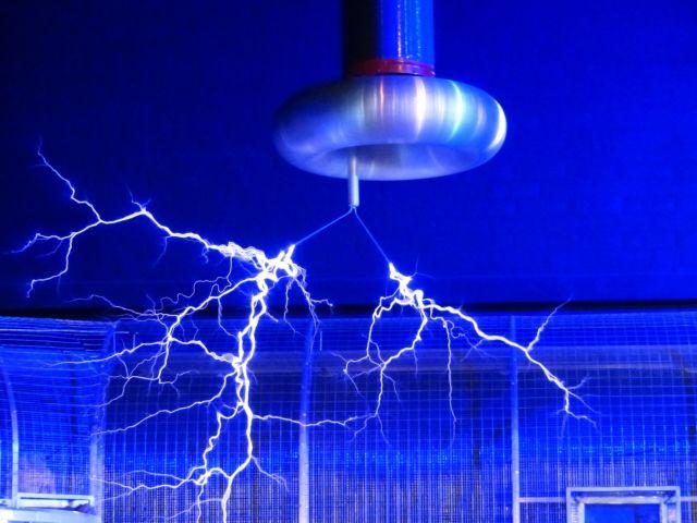 Voltase dan daya listrik