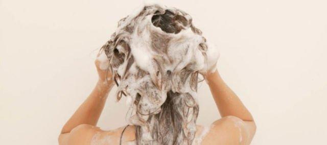 Cuci dengan Menggunakan Shampoo