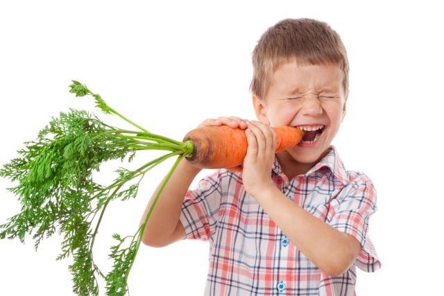 makan wortel tidak bisa menyembuhkan pengelihatan