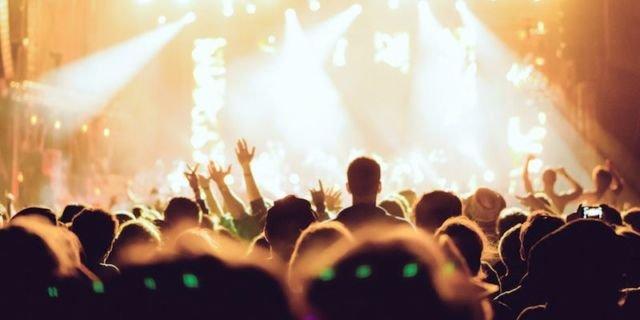 Nonton konser paling seru kalau lagunya bersemangat