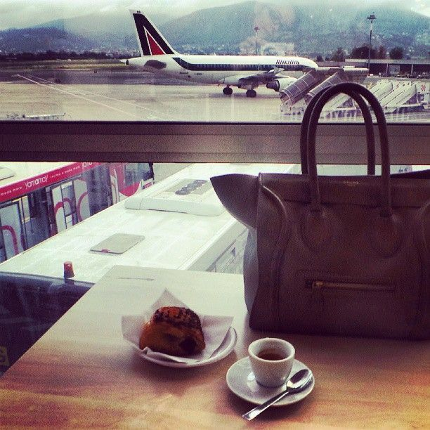 coffee in airport