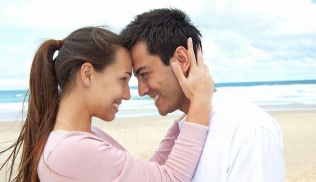 7 reaksi tubuh saat sedang jatuh cinta