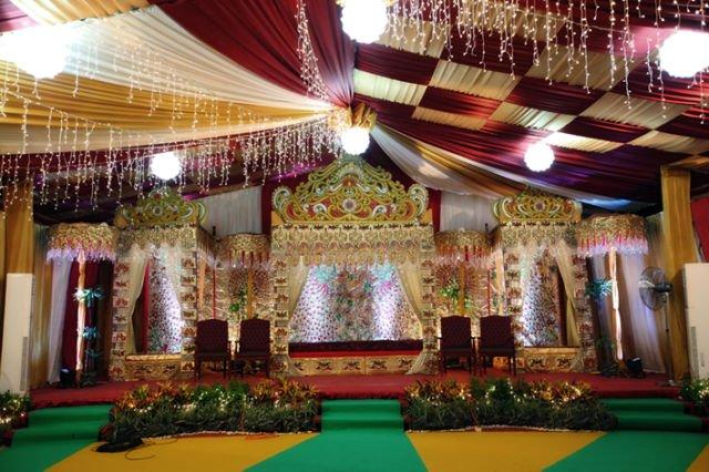Lamming, tempat mempelai duduk menyambut tamu