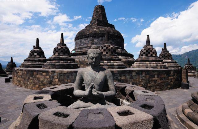 10 Hal Mengejutkan Di Balik Kemegahan Candi Borobudur Yang Harus