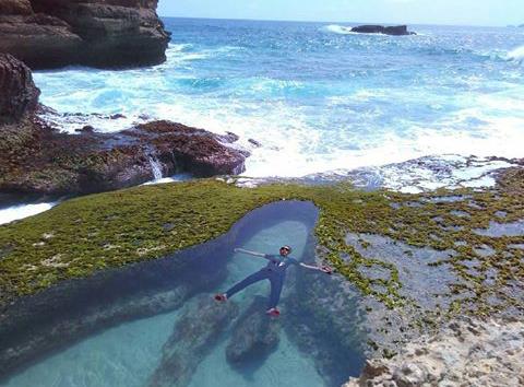 Kolam renang alami berasa Kolam Renang Pribadi