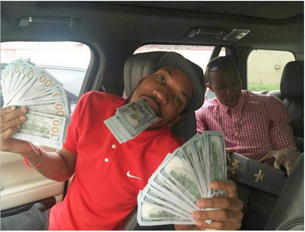 Uang gue banyak kan ?