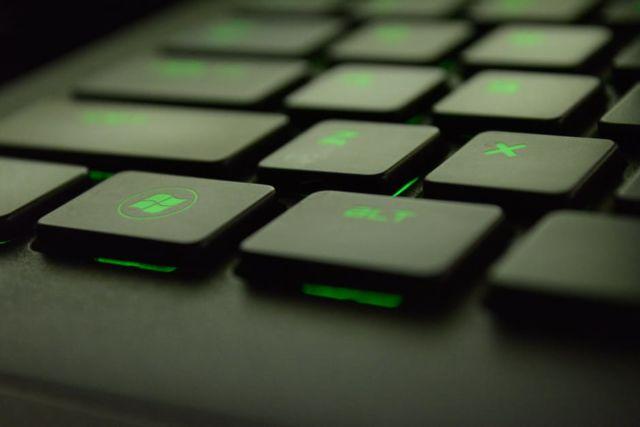 Keyboard Berlampu