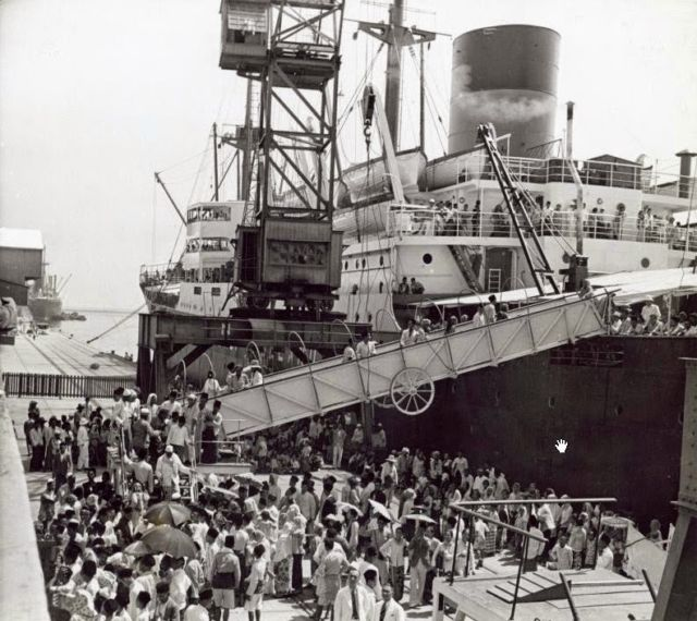 Jemaah haji menggunakan kapal kongsi tiga milik Belanda via umroh.travel