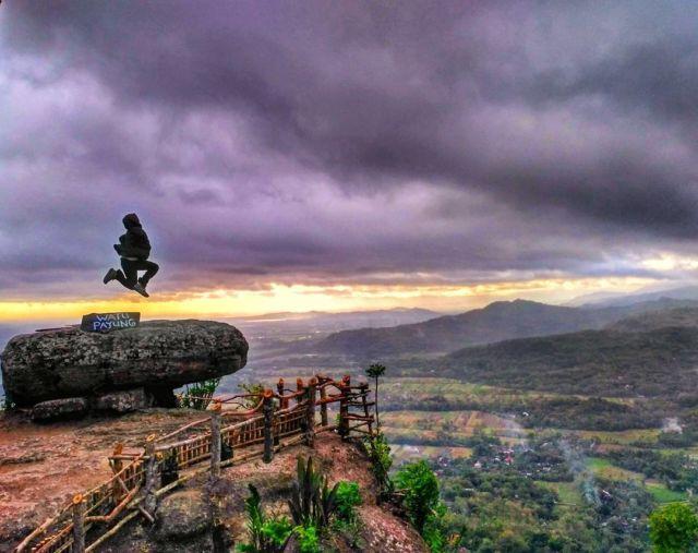 spot watu payung