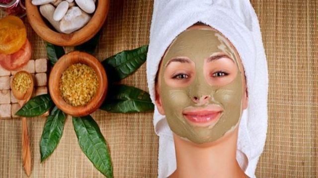 Perawatan kulit (masker alamai)