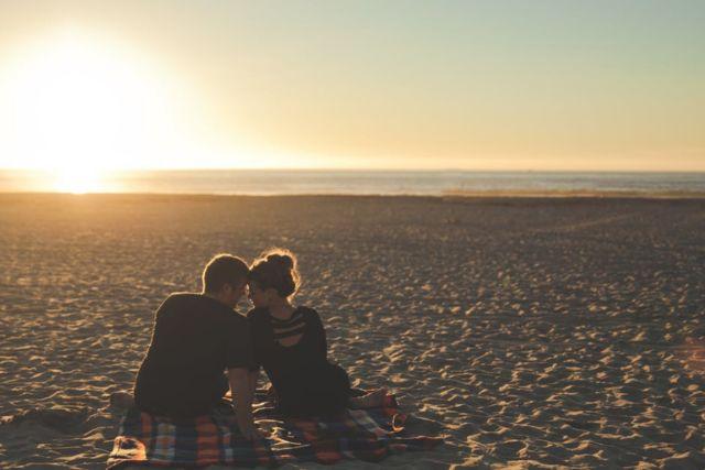 sunset-beach-couple-love