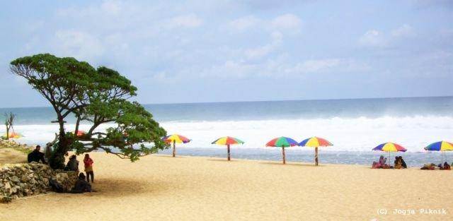 Nikmati pantai pasir putih nan bersih