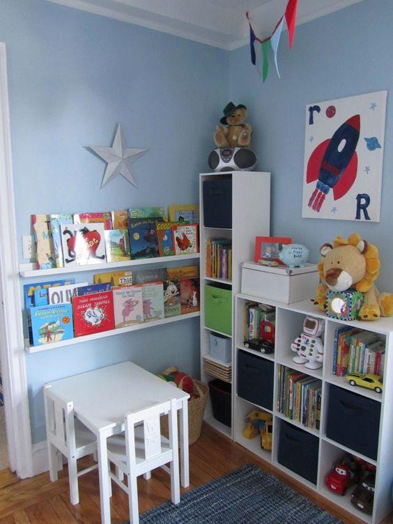 Rak buku dan mainan
