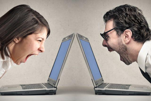 hindari debat di sosial media