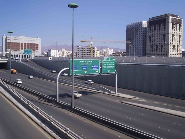 jalanan di arab lancar jaya