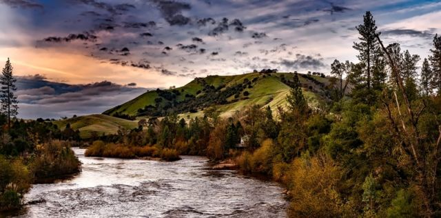 Aliran Sungai di Gunung