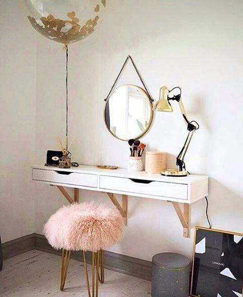 The 25+ best Lighted vanity mirror ideas on Pinterest | Vanity ...