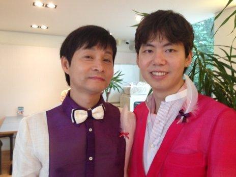 Kim Jho Gwang-soo (kiri) dan Kim Seung-hwan (kanan)