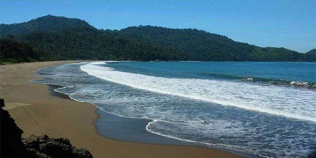 Pantai Bandialit