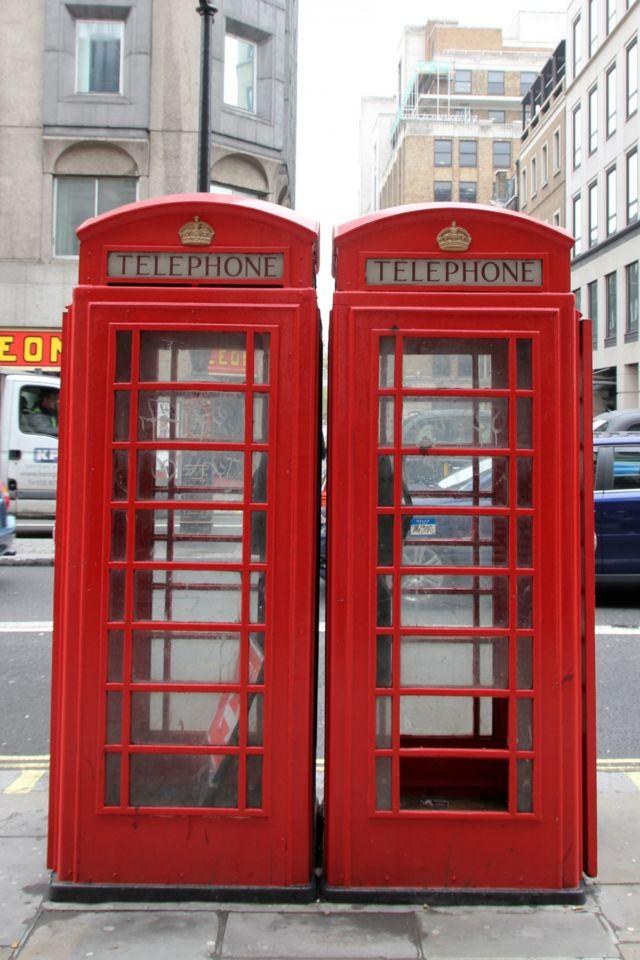 bilik telephone merah