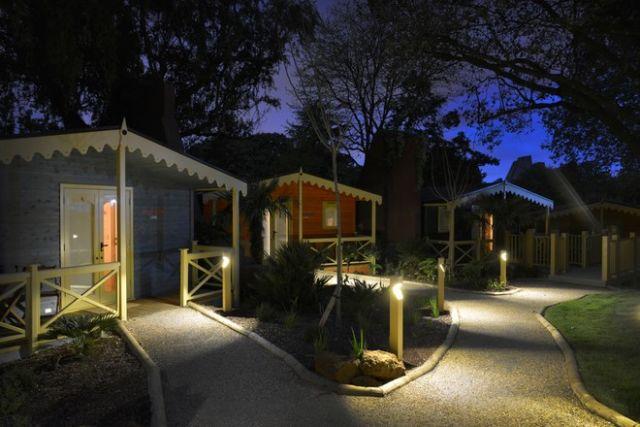 Kabin di Kebun Binatang Whipsnade