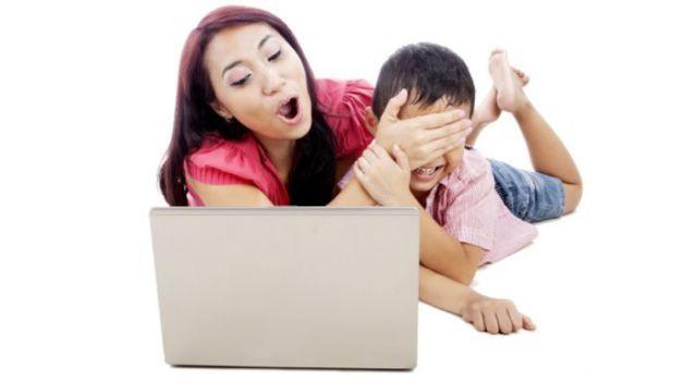 Tidak Membatasi Akses Internet Pada Anak Kecil