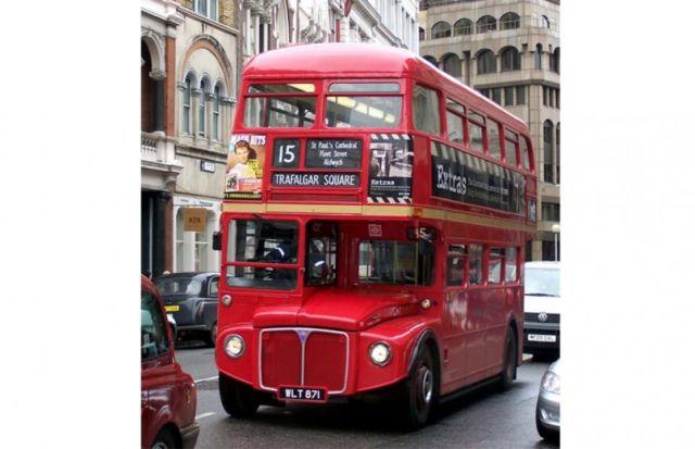 bus tingkat di Inggris