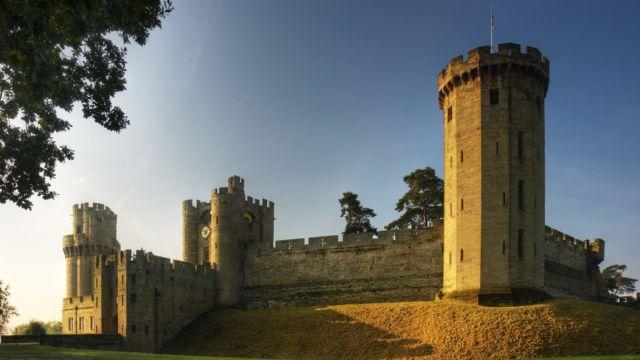 Kastil Warwick