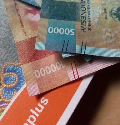 Menggunakan Rupiah di Setiap Transaksi
