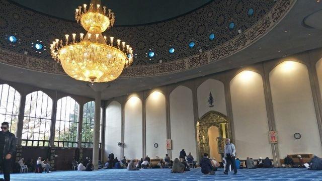 Suasana Di Dalam Masjid