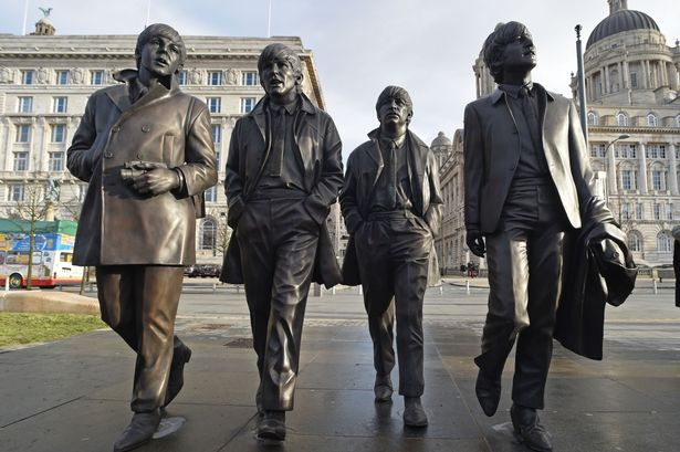 Patung The Beatles