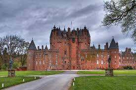 Kastil paling menyeramkan di Skotlandia