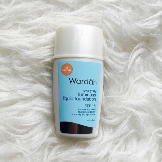 Wardah Everyday Luminous Liquid Foundation