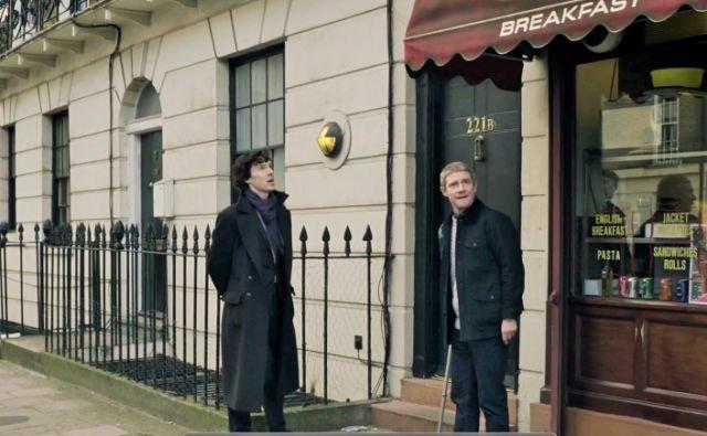 Sherlock dan Dr. Watson di Baker Street