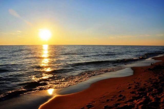 Sunset Di Pulau Tello