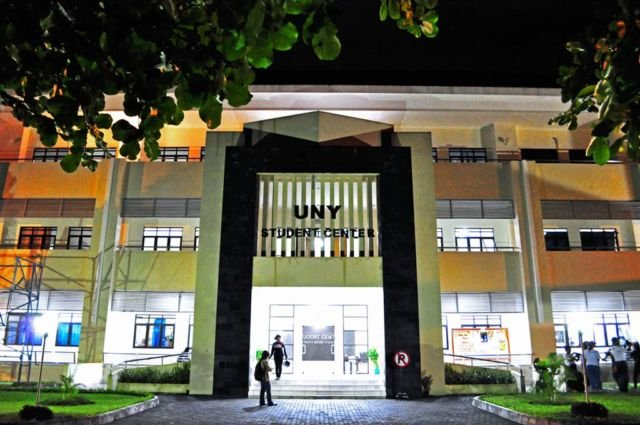 Gedung Student Center UNY