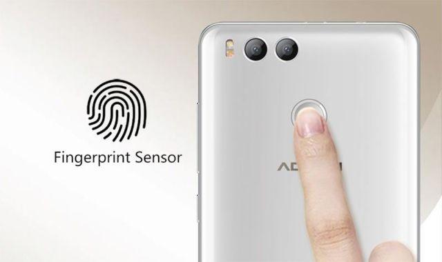 Menggunakan teknologi finger print