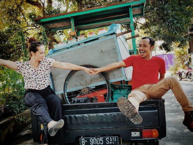 Hubungan Mas Pur dan Novita merupakan bukti bahwa cowok humoris selalu punya keistimewaannya sendiri