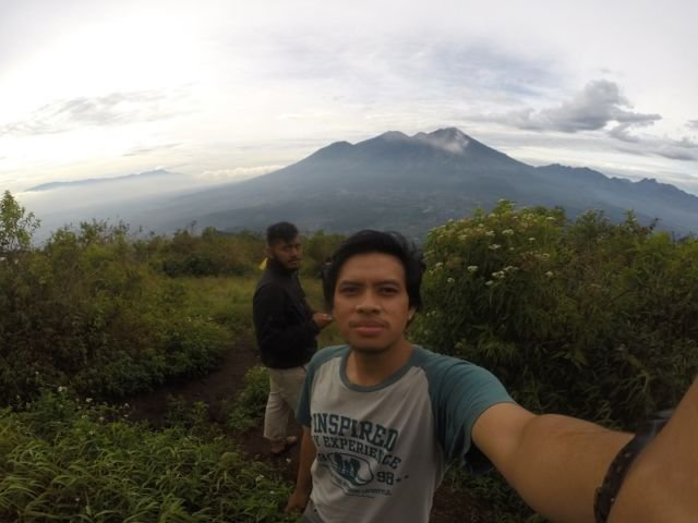 Background Foto Gunung Arjuno-Welirang
